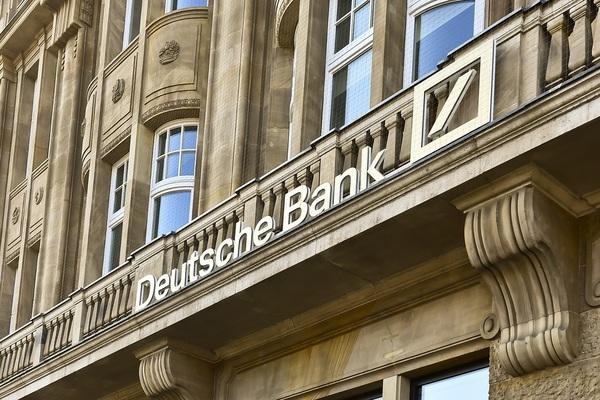 Deutsche Bank fined £163m for money laundering failings