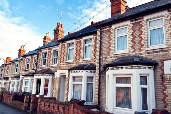 Doorstep lender acquires instalment lender