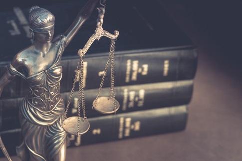 courtlaw.jpg