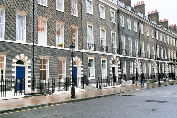 News 8.3- London property bubble to burst?