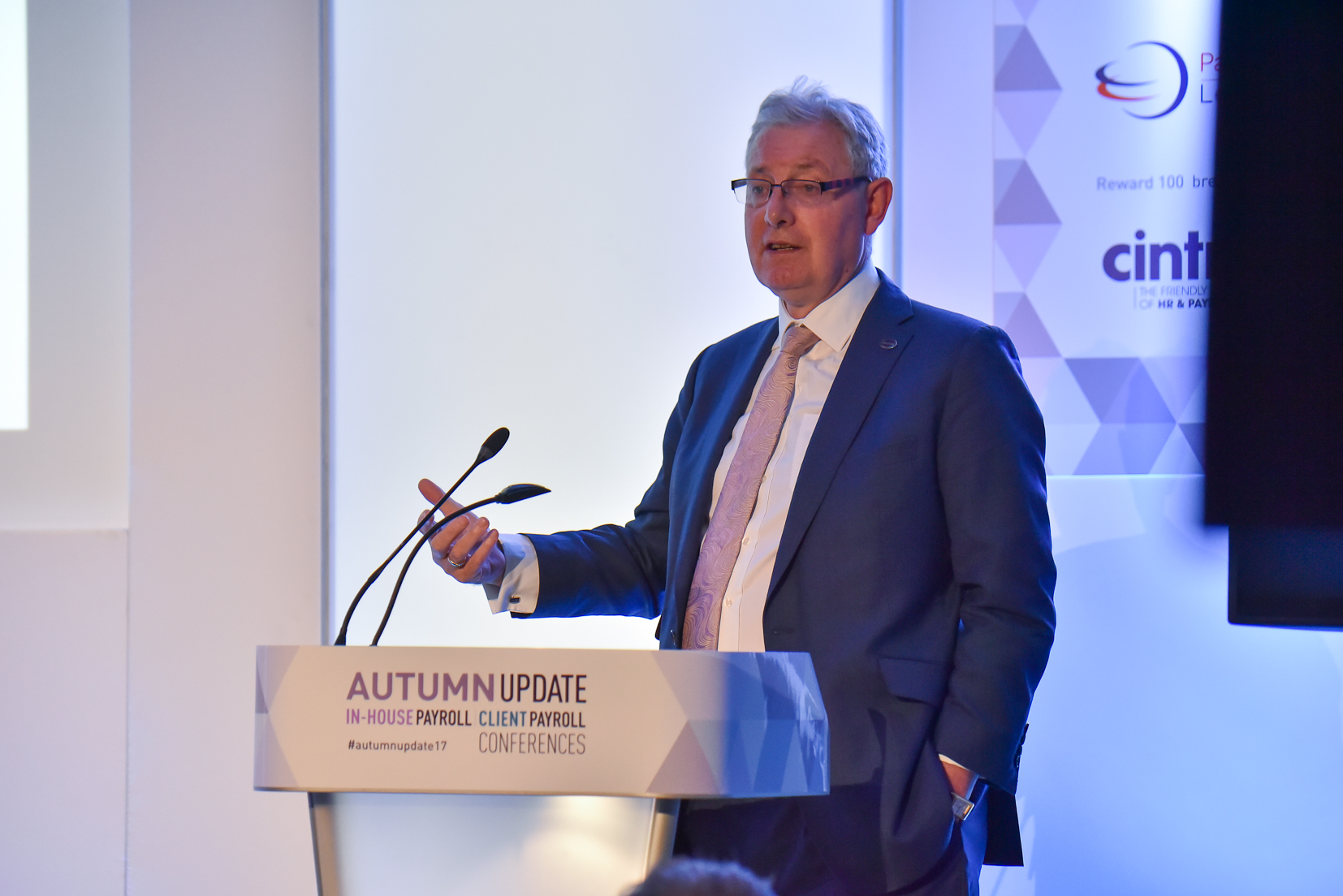 Henry Tapper, director at First Actuarial, speaking at the Autumn Update 2017.