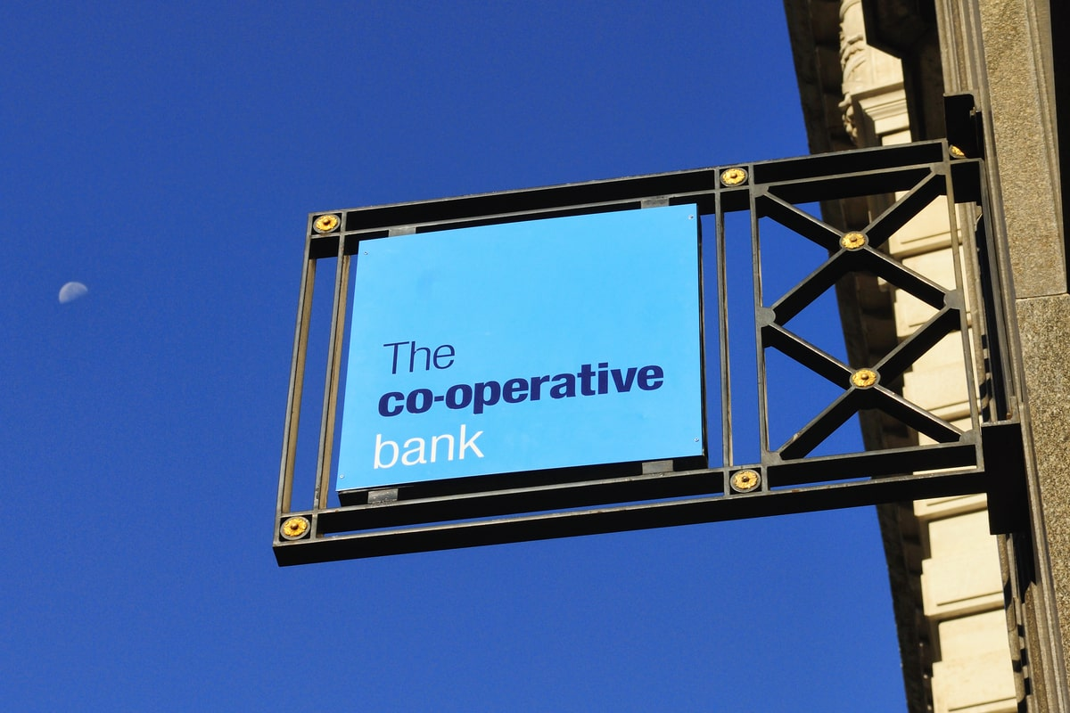 Co-operative Bank to cut 350 jobs