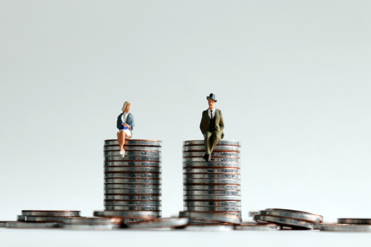 Male employees win sexism case over gender pay gap
